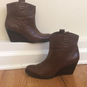 Bandolino women's wedge boots brown 9.5